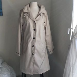 Light weight trench/rain jacket